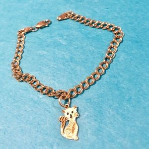 Gold bracelet with kitty/cat charm